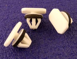 Ford Transit Connect Wheel Arch & Side Moulding Trim Clips- 4493651